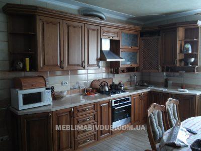 Кухня з масиву дуба