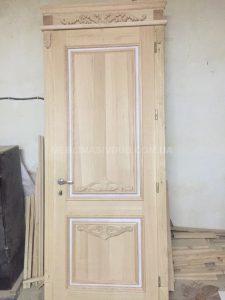 Двері з натурального дерева