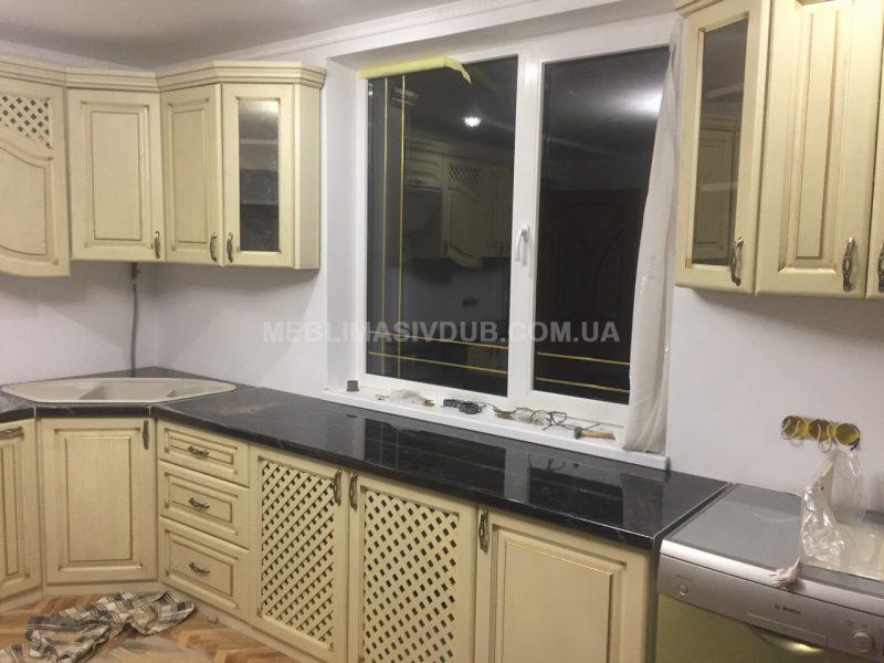 Меблі для кухні з дерева